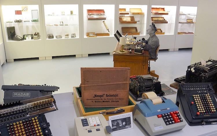 03-museum-enter-rechner-2