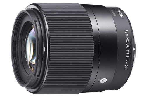 Sigma 30mm F14 DC DN Contemporary slant