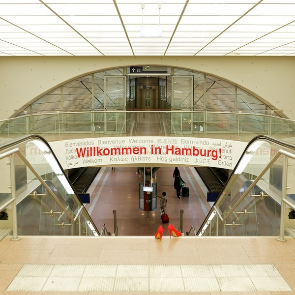 Rote Schuhe in Hamburg - fotointern.ch – Tagesaktuelle Fotonews